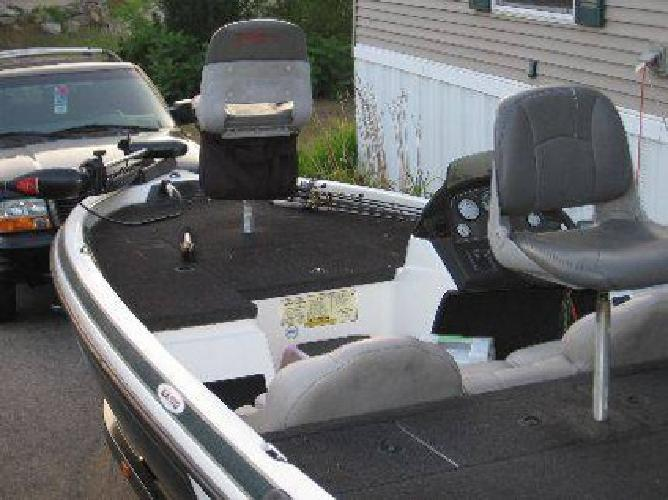 $7,500 2002 sx170 Skeeter Bass Boat