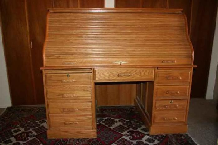800 60 Inch Roll Top Computer Desk Light Oak Skeleton Key