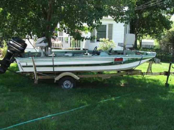 800 77 ram charger fishing boat for sale in cedar rapids for Fishing boats for sale in iowa
