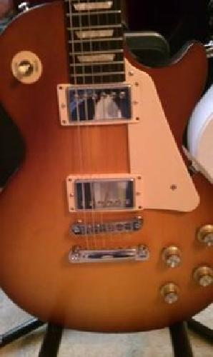 $800 New Gibson Les Paul Studio With Case