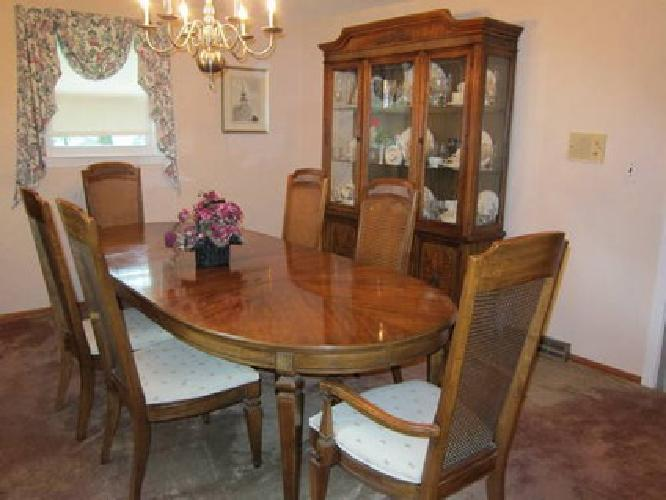 Stanley furniture dining room set crowdbuild for for Stanley furniture dining room sets