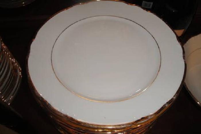 800 Thun Val St Lambert Fine China Complete Set For 12