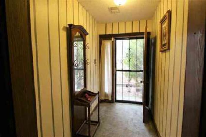 8178 Valley Ridge Trl Memphis Three BR, Charming Cordova home