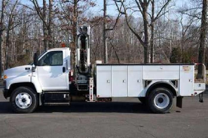8636 - Chevy C7500; Imt 1295/9000 Knuckleboom; 11' Utility Body Truck