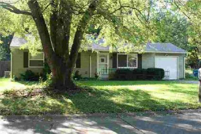 8714 Depot Drive Indianapolis, Enjoy the cozy Three BR home