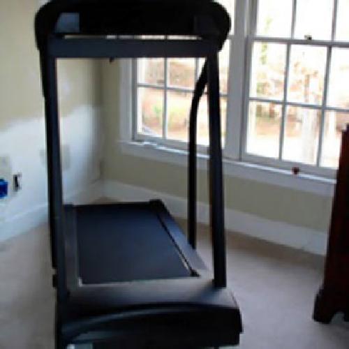 890 Pacemaster Pro Elite Treadmill For Sale In Weddington