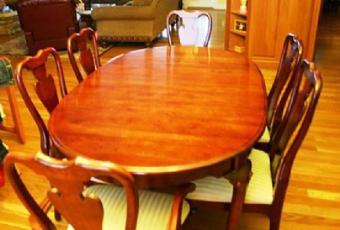 Sumter Cherry Dining Room Set