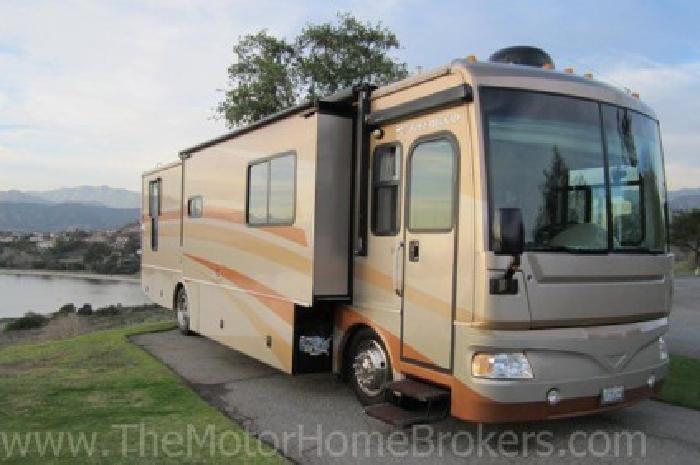 $89,000 2007 Fleetwood Bounder Diesel Pusher 38' w/3 Slide-Outs (WARRANTY)