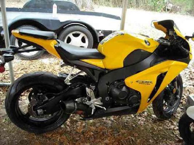 $8,000 2008 Honda cbr 1000rr