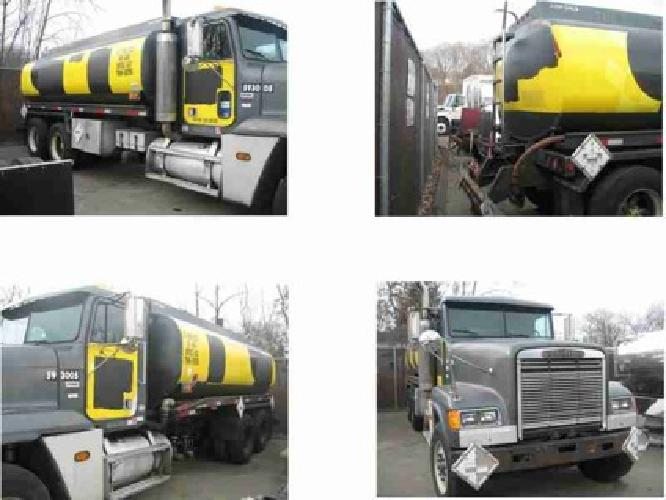$8,500 1993 FREIGHTLINER FLD12064ST Tanker Truck