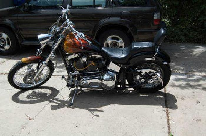 $8,900 2001 Independence Custom Express Softail not Harley