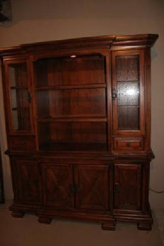 $900 Dining Room Hutch - Wood - Like New
