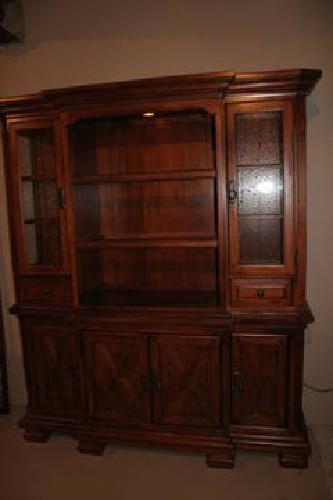 $900 Dining Room Hutch - Wood - Like New