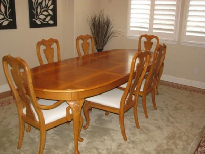 900 Thomasville Dining Room Table And Chairs For Sale In Roseville