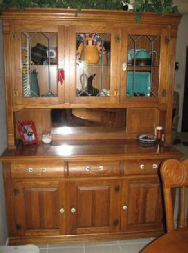 900 Vintage Oak Dining Set W Hutch 2 Leaves 6 Chairs Excellent Condition For Sale In Oro Valley