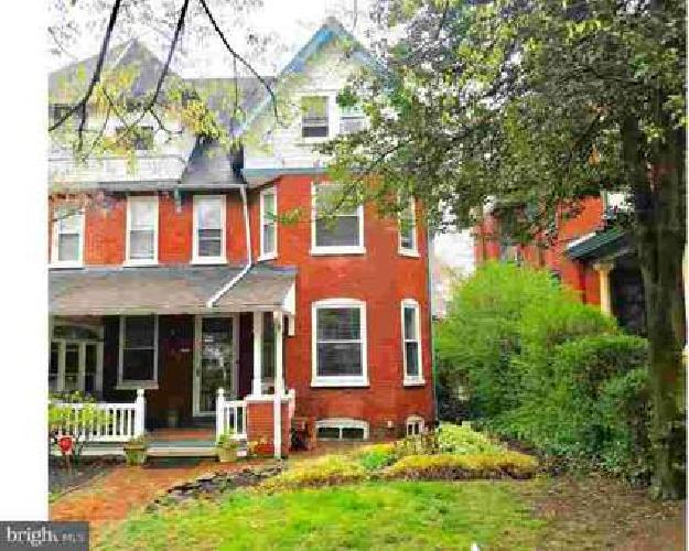 906 N Broom St Wilmington, Welcome home to 906 North