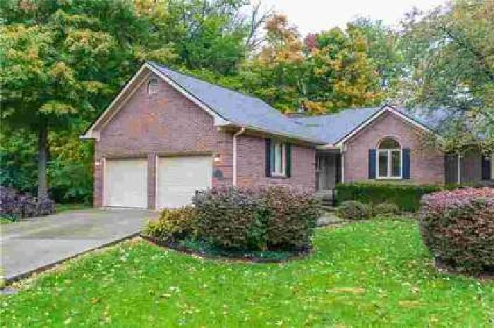 9346 West Point Place Indianapolis, Beautiful home with two