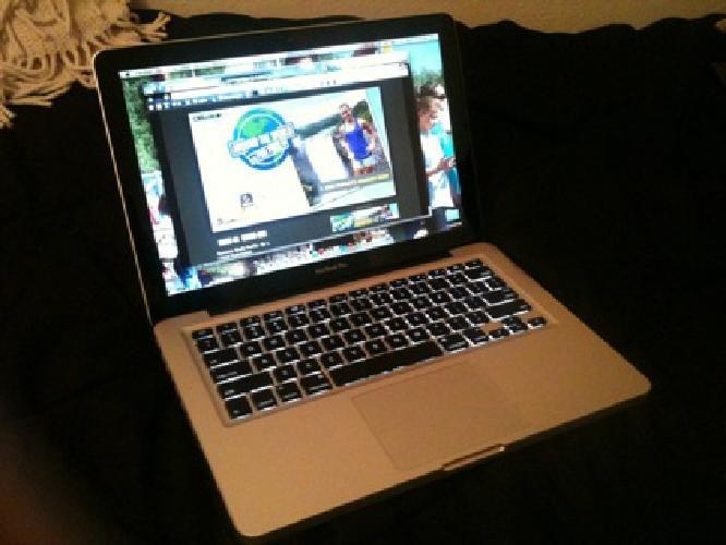 $950 2011 (Late) Mac Book Pro