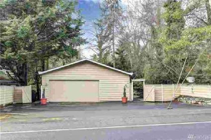 9515 Sand Point Way NE Seattle Eight BR, W E L C O M E Home!
