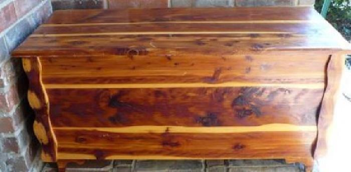 $95 Very Nice Cedar Chest, Red Cedar, Great Condition