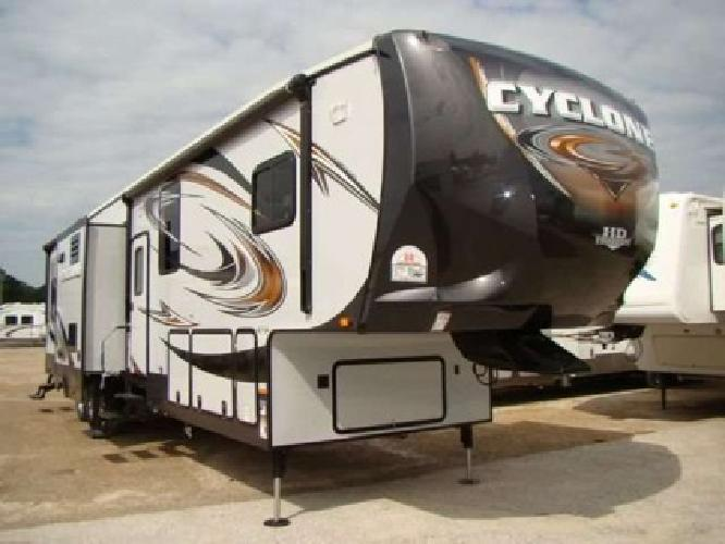 99 024 2013 heartland rv cyclone 4100 king for sale in. Black Bedroom Furniture Sets. Home Design Ideas