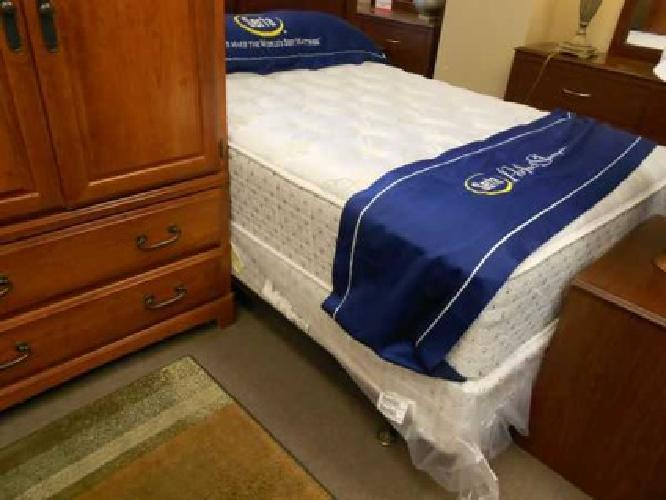 99 3 room furniture package toledo area for sale in for Furniture 3 room package