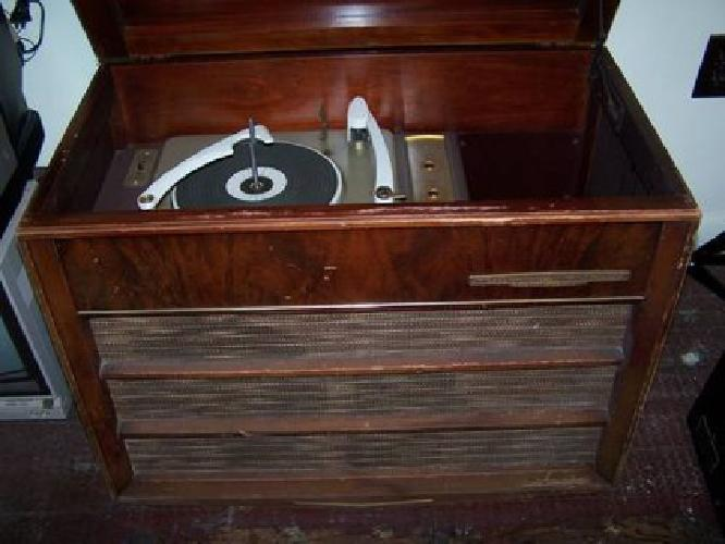 $99 Console Type RCA Victor Orthophonic High Fidelity Record