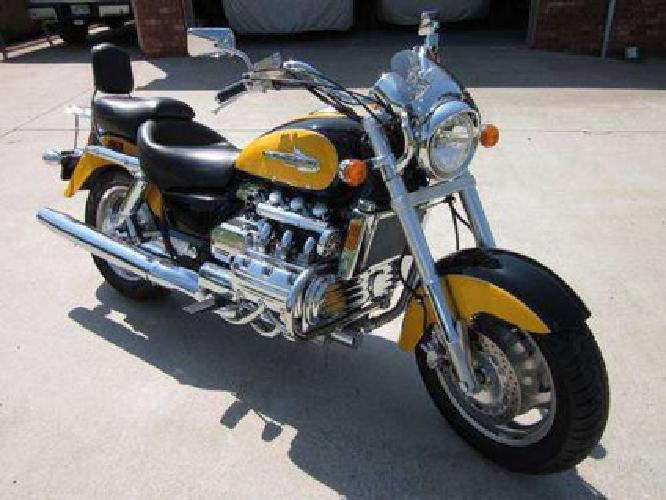 $9,000 2000 Honda Valkyrie 15k miles, Yellow/Black, not Harley