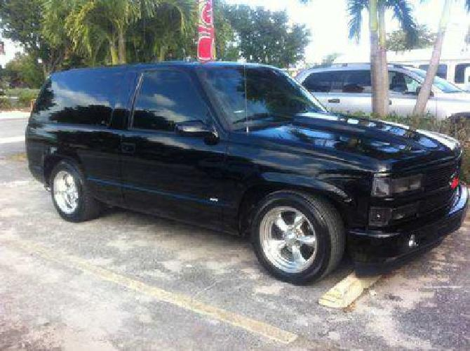 9 000 rare 1998 2 door 2 wheel drive tahoe ss chevy limited edition cowl for sale in pompano. Black Bedroom Furniture Sets. Home Design Ideas