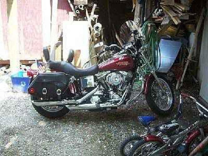 $9,800 2005 low rider,1450 cc 5 spd,22k miles