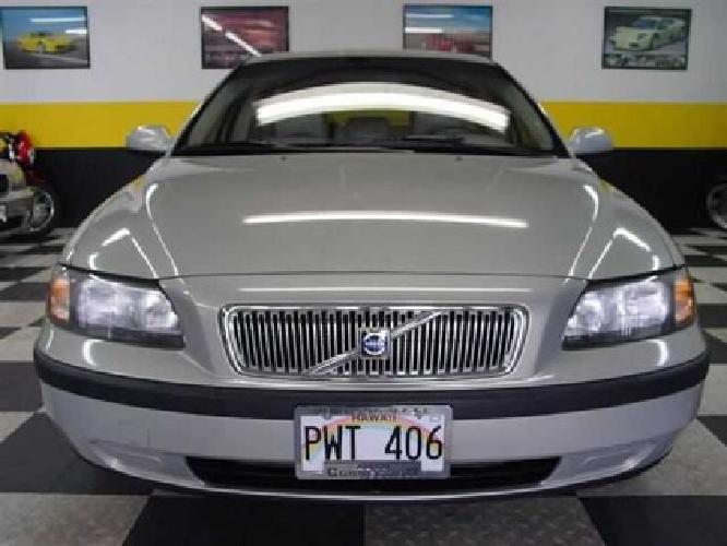 $9,900 Used 2001 Volvo V70 2.4T A SR 5dr Wgn w/Sunroof Wagon, 42,437 miles