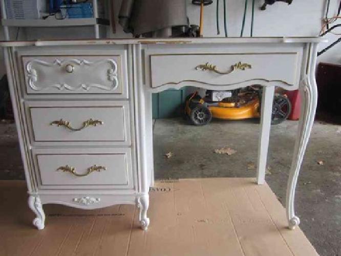 Bedroom Sale On Bedroom Set Girls Ivory Desk Chair 2 Dressers For Sale