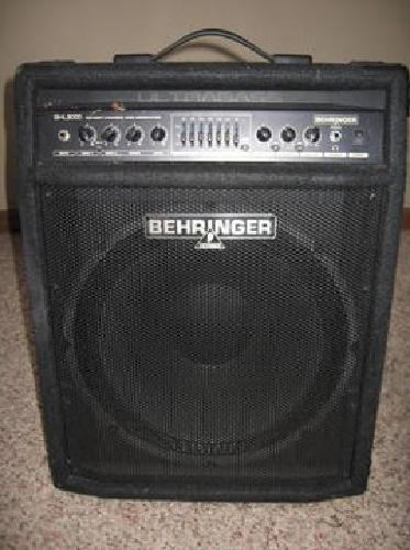 Behringer BXL 3000 300 Watt Bass WrkStation