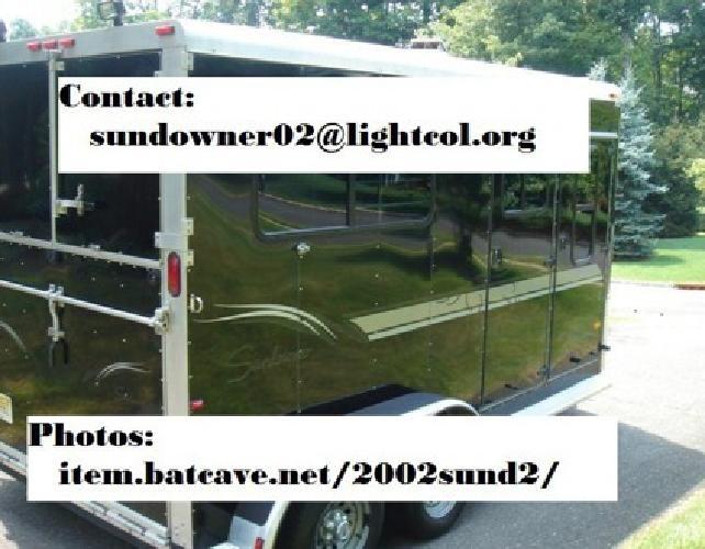 BPs 2002 Sundowner 2 horse trailer Black