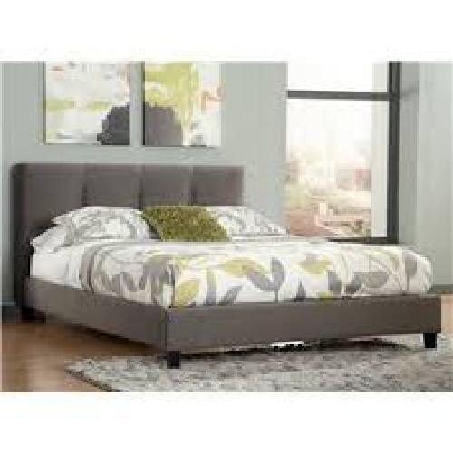 California King Platform Bed with mattress 7'×8'