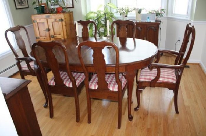Cherry Oval Colonial Queen Anne Dining Room Table 9 Piece