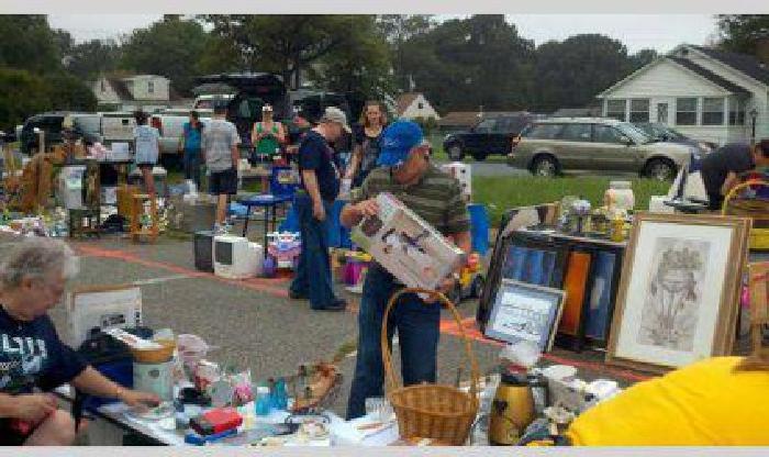 Community Yard Sale - Pasadena MD