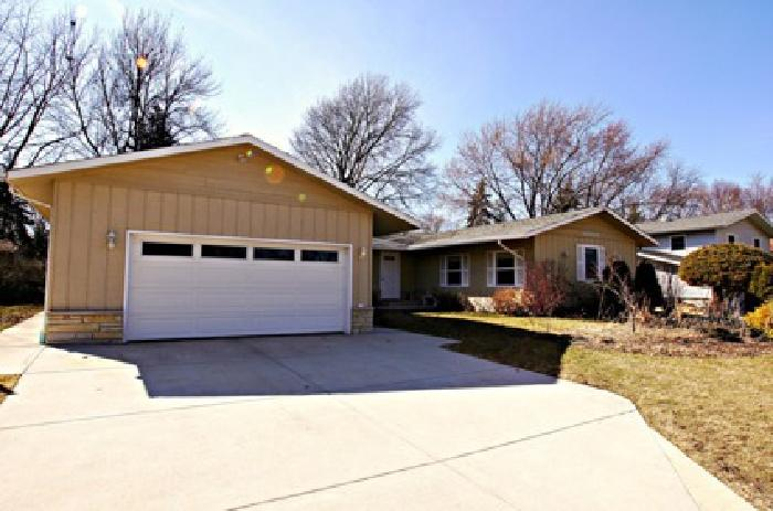 Downers Grove Ranch for Sale in Great Location