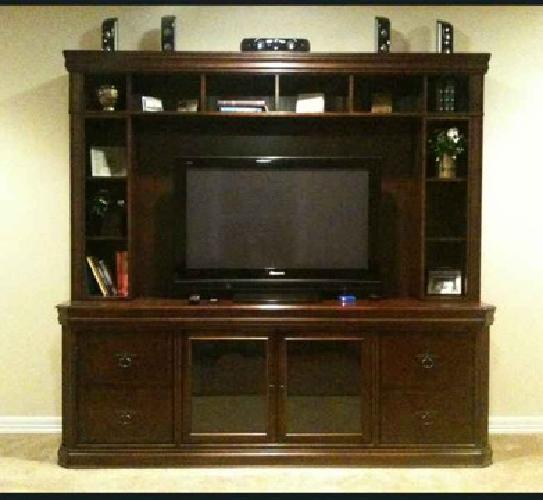 Entertainment center highend quality auburn for sale for Furniture auburn wa