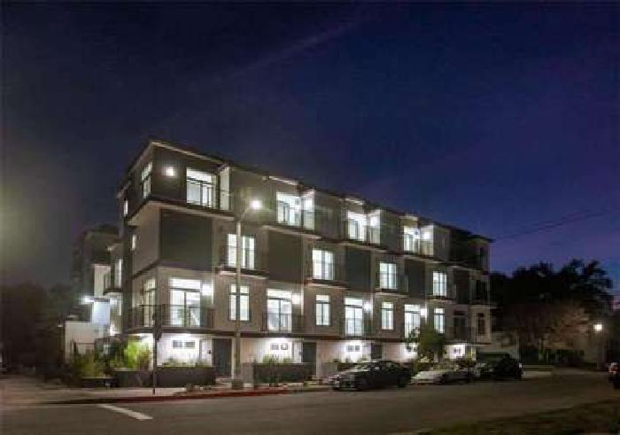 For Lease: 4461 Tujunga 3 Bed 3 Bath Townhome in Studio City