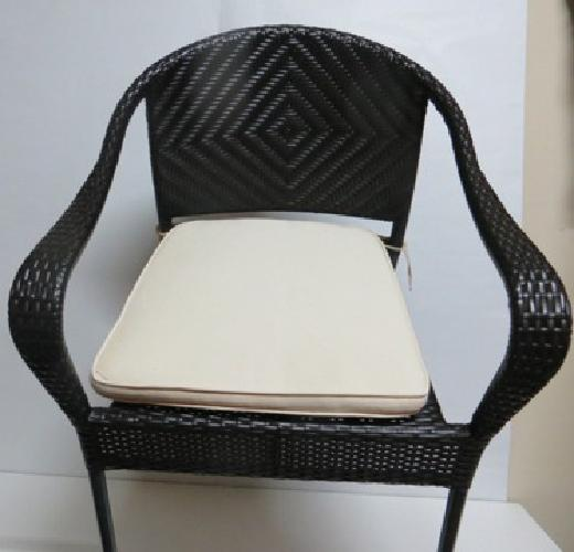 Frontgate 4 black bistro patio chairs and pads