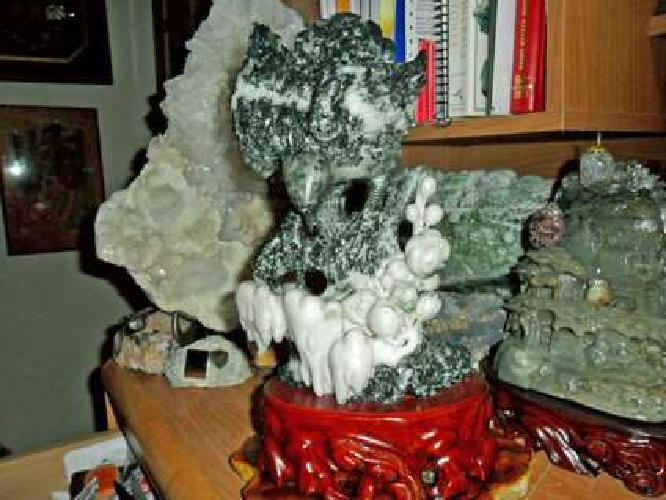 Gorgeous and Beautiful 100% Natural DuShan Jade Hand Carved Statue Of a Eagle Pe