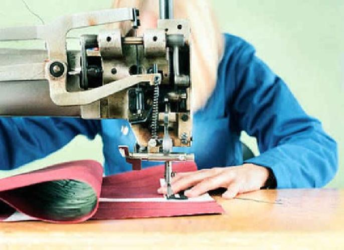 industrial sewing machine operator