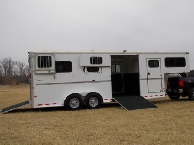 k2012 Charter SE 2+1 horse trailer Sundowner Aluminum