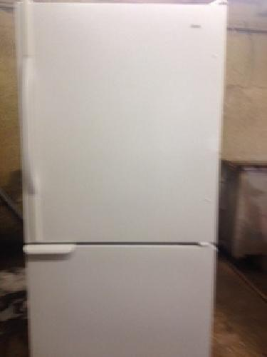 Kenmore 22 ft.³ bottom freezer