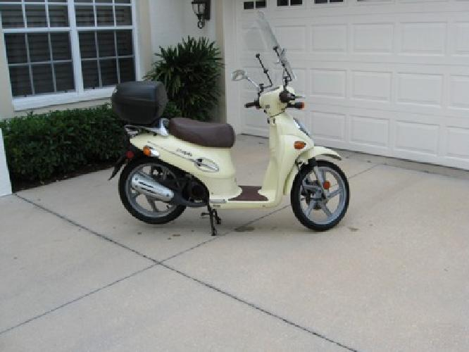 kymco people 50cc scooter for sale in sarasota florida classified. Black Bedroom Furniture Sets. Home Design Ideas