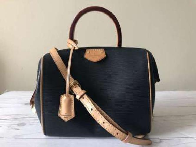 Louis Vuitton Black Epi leather bag Women