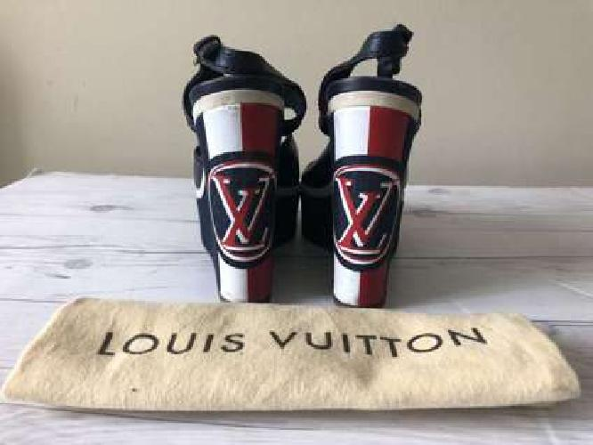 Louis Vuitton Women Wedges Sandals size 7,5US Leather and Denim