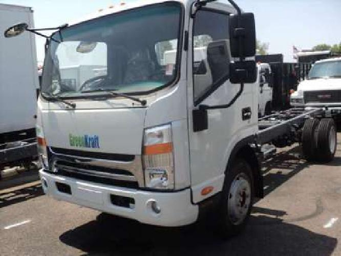 NEW 2017 Isuzu/greenkraft cab chassis Gas v8 clearence price