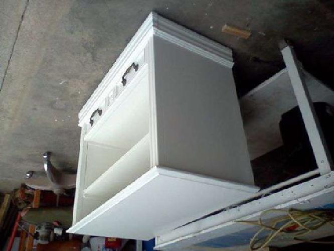 Nice TV stand (waco, tx)